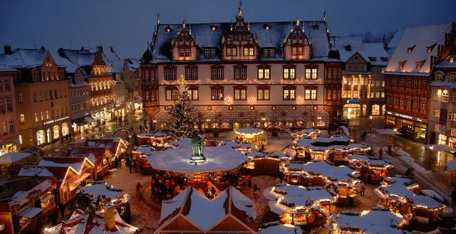 Good Places For Christmas Family Vacations