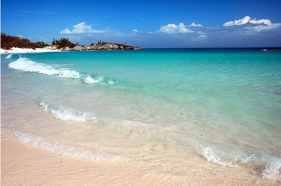Ocean color in Bermuda