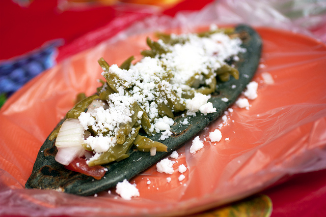 Tlacoyos street food
