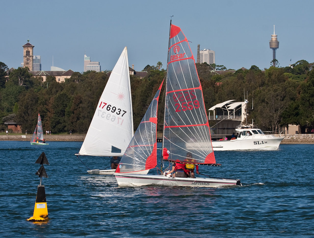 Winter sailing in Sydney looks like sailing in the summer in other parts of the world ... learn how to do it here!